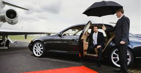 $45 for 1-way airport town car service from Social Limousine