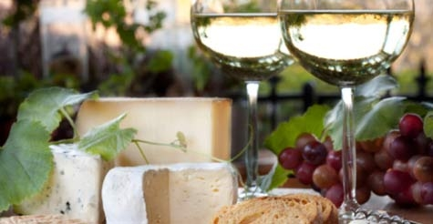 $25 for a wine tasting with cheese pairing for 2 at Reyes Winery