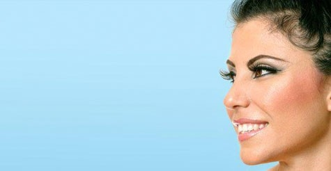 $79 for a full set of eyelash extensions & credit toward extended touch-up at Luxury Lashes